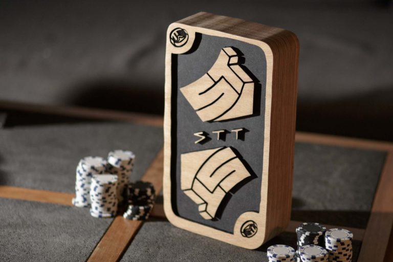 Holz Trophäe STT Pokertunier Pokal